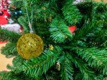 рождество моя версия вектора вала портфолио Украшенный с красочными шариками рождества стоковые фотографии rf