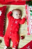 рождество первое младенца Красивый маленький младенец празднует рождество Праздники ` s Нового Года Младенец с шляпой santa с под стоковые фото