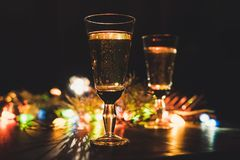 Рождество торжества Нового Года 2 сверкная стекел шампанского Стоковое Изображение RF