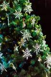 рождество украсило вал Игрушки и снежинки шнурка Новый Год Стоковые Изображения