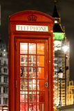 Рождество украсило классический быка телефона в Вестминстере, Лондоне Стоковое Фото