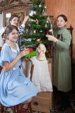 рождество украшая вал родного дома Стоковые Фотографии RF