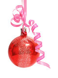 рождество шарика над белизной стоковое изображение