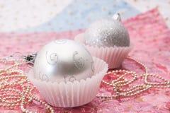 рождество шарика орнаментирует серебр Стоковые Изображения