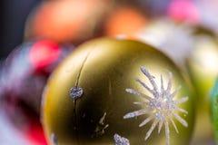рождество bauble предпосылки 3d составило фотографическое реальное представляет конец вверх Стоковое Изображение