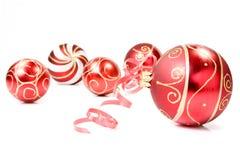 рождество baubles предпосылки над белизной Стоковое фото RF