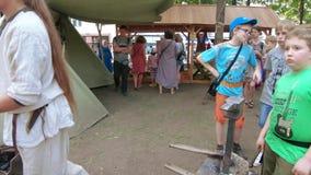 Рожок и мех кузнеца акции видеоматериалы