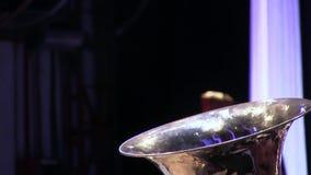 Рожок оркестра аппаратуры музыки ветра басовый видеоматериал