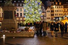 Рождественская елка и свечи после нападения Парижа Стоковое Изображение RF