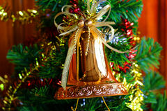 Рождественская елка, счастливый Новый Год, зима, предыдущий, вручая вне подарки Стоковые Фото