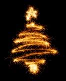 Рождественская елка сделанная бенгальским огнем на черноте Стоковое Фото