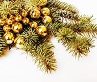 Рождественская елка с игрушками на космосе экземпляра предпосылки для покрашенного текста, текстуры картины Стоковые Фотографии RF