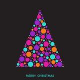 Рождественская елка с красочными шариками на черной предпосылке Стоковые Фото