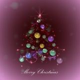 Рождественская елка с шариками и светами, красная предпосылка, Стоковые Фотографии RF