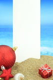 Рождественская открытка на пляже стоковая фотография rf