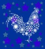 Рождественская открытка с белым филигранным петухом на голубой предпосылке Стоковая Фотография
