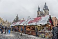 Рождественская ярмарка на старой городской площади Стоковое Изображение RF
