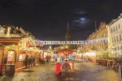 Рождественская ярмарка около фонтана аиста Копенгагена Стоковая Фотография