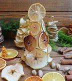 Рождественские елки состава рождества handmade от высушенных плодоовощей Стоковое Фото