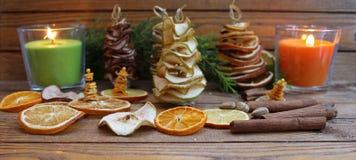 Рождественские елки состава рождества handmade от высушенных плодоовощей Стоковое Изображение RF