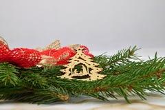 рождество веселое Елевая ветвь украшений Стоковая Фотография RF