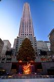 Рождество в рождественской елке центра Нью-Йорка - Рокефеллер Стоковые Фотографии RF