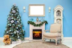 Рождество и Новый Год украсили внутреннюю комнату Стоковая Фотография RF