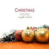 Рождество красное и godlen безделушки и елевое дерево Стоковые Фотографии RF