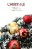 Рождество красное и godlen безделушки и елевое дерево Стоковые Изображения