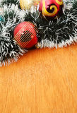 Рождество красное и godlen безделушки и елевое дерево Стоковые Фото