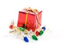 Рождество: Крошечные присутствующие и светлые украшения Стоковое Фото