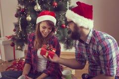 рождество кто-нибудь striped чулки удивляет tiptoe к xmas вала Стоковые Изображения RF