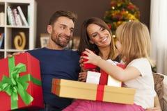 рождество обменивая подарки Стоковое Фото