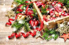 Рождество орнаментирует снег рождественской елки украшения Стоковые Изображения