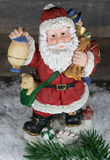 Рождество, Санта Клаус с партией на снеге Стоковые Фотографии RF