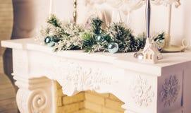 рождество украсило камин Стоковое Фото