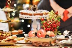 рождество украшает идеи обеда свежие домашние к Стоковое Фото
