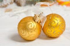 рождество 2 шариков Украшение праздника Стоковая Фотография RF