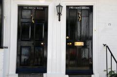 рож 2 дома дверей Стоковые Фото