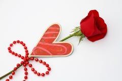 Роза красного цвета с сердцем Стоковое Изображение