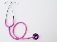 розовая белизна стетоскопа Стоковая Фотография RF