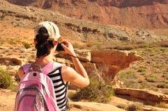 Розовая женщина рюкзака Стоковые Фото