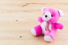Розовая игрушка плюшевого медвежонка Стоковая Фотография RF