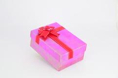 Розовая коробка подарка Стоковые Изображения