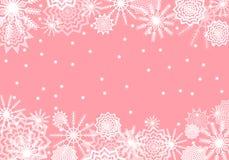 Розовая падая предпосылка снега Конспект снежинок Гром зимы Стоковая Фотография RF