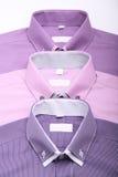 Розовая рубашка в студии Стоковые Изображения