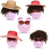 Розовая свинья и и bonnet солнца Стоковые Изображения