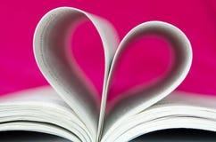 Розовая форма сердца книги Стоковое Изображение