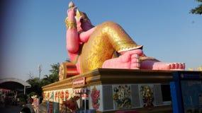 Розовая funy статуя бога Стоковые Фото