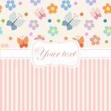 Розовое приглашение карточки с цветками и нашивками Стоковые Изображения